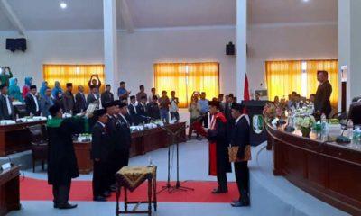 Pengucapan sumpah pimpinan DPRD Kabupaten Sampang masa jabatan 2019-2024. (zyn)