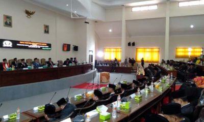 Suasana rapat paripurna pengucapan sumpah atau janji DPRD Sampang periode 2019-2024 di ruang sidang gedung DPRD Sampang. (ist)
