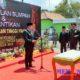 Bupati Sampang H Slamet Junaidi saat membacakan kata pelantikan. (zyn)